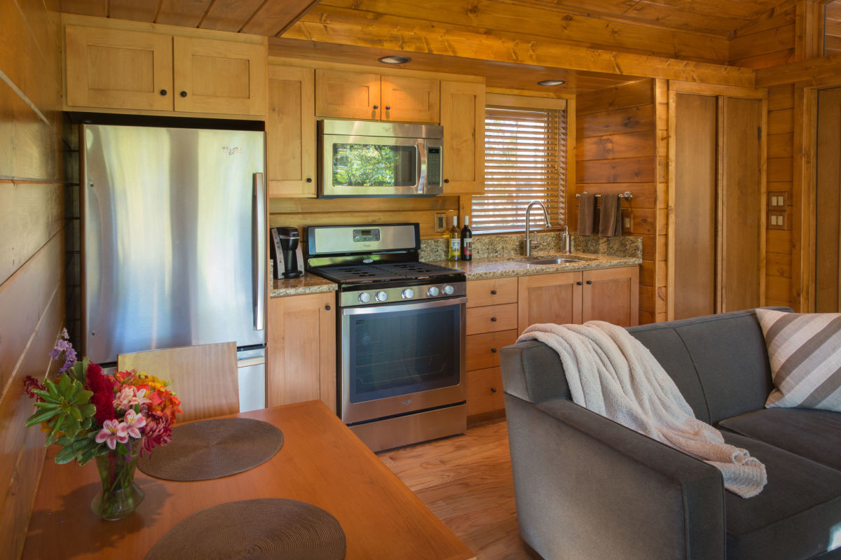From tiny homes to charming cabins canadian off the grid for Typical kitchen